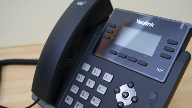 A Quick Look and Review of the Yealink T41P Desk VoIP Phone